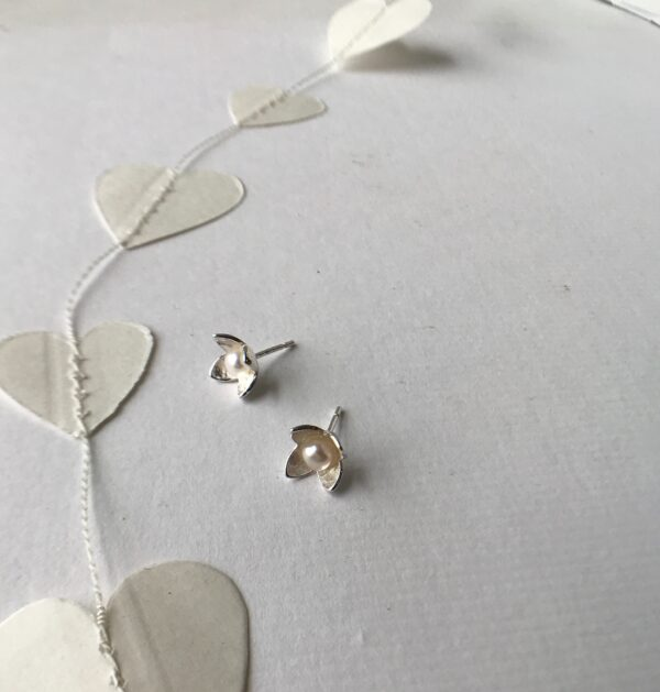 flower pearl earring stud