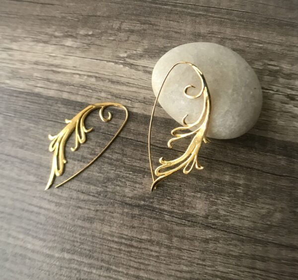 18kt fierce scroll earrings